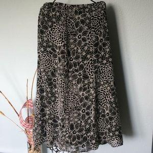 Croft & Barrow lightweight flared skirt size 10
